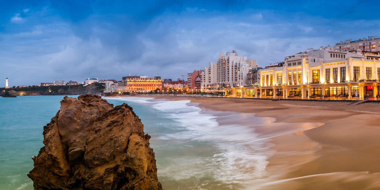 biarritz-BAB-bayonne-anglet-plage-casino-cote-basque-sud-landes-mer-ocean-rocher-lumiere-grand-hotel-phare