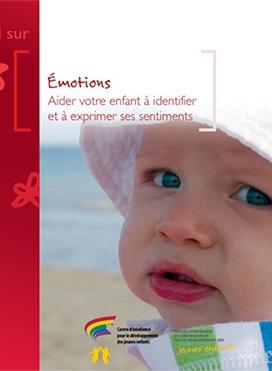 bebe-chapeau-yeux-bleu